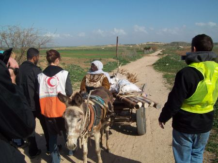 Meeting Manwar to go to her demolished home - border in the background